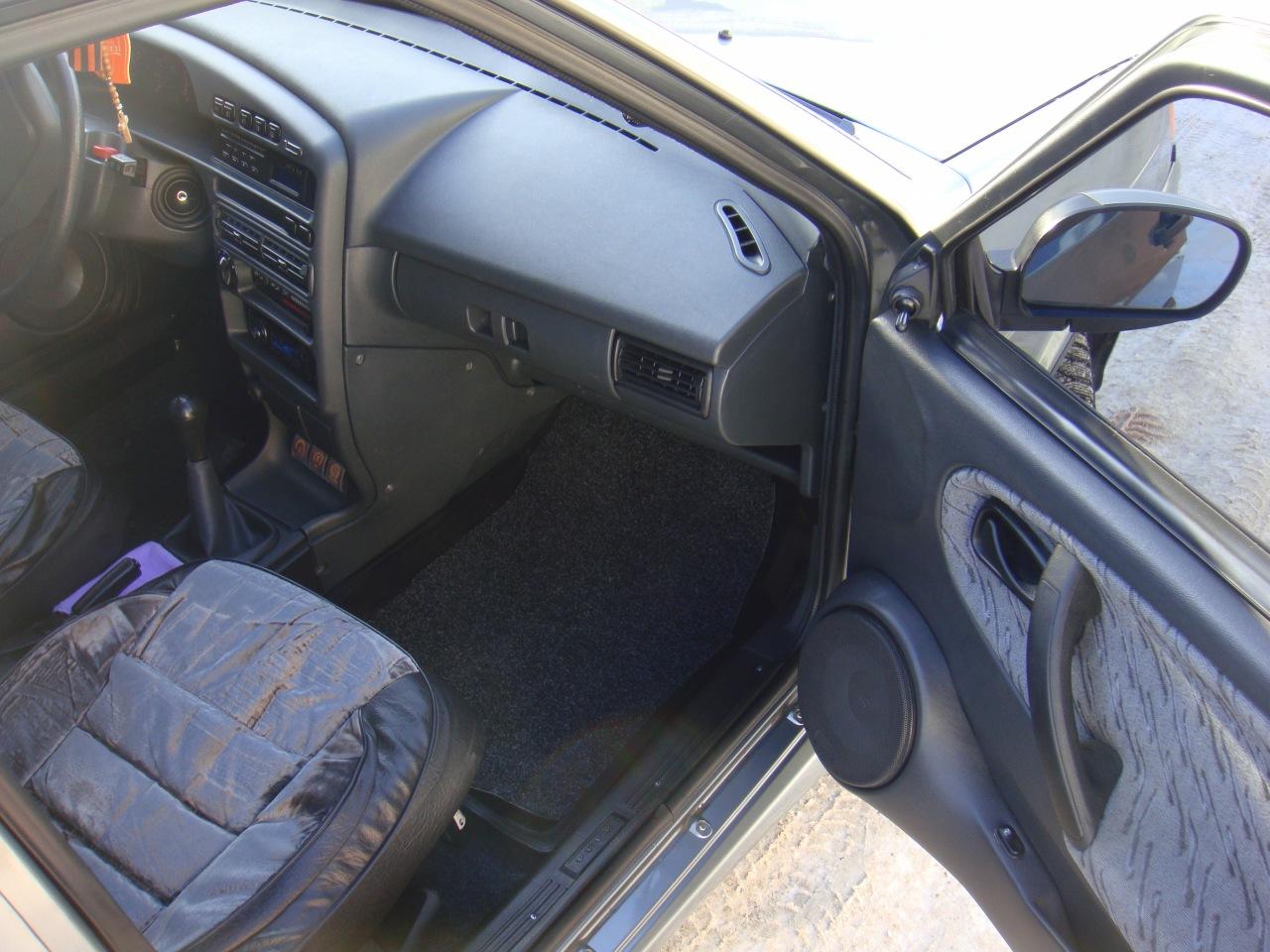 Салон ВАЗ 2115 - Бардачок и дверь