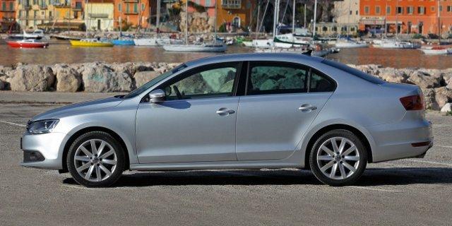 Фото Volkswagen Jetta. Вид сбоку.