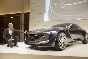 Фото с презентации Opel Astra 2016