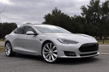 Тесла Модель S - один из самых успешных и инновационных экоавто