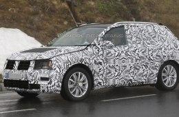 Новая версия Volkswagen Tiguan была заснята шпионами на тестах в Альпах
