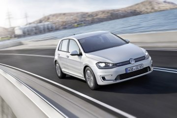 Фото VW E-Golf SE