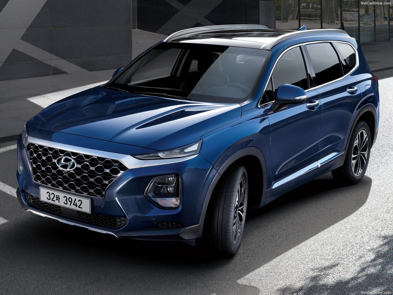 Hyundai Santa Fe 2020 года - 7-местный семейный кроссовер с полным приводом, дизельным турбомотором и комфортными опциями