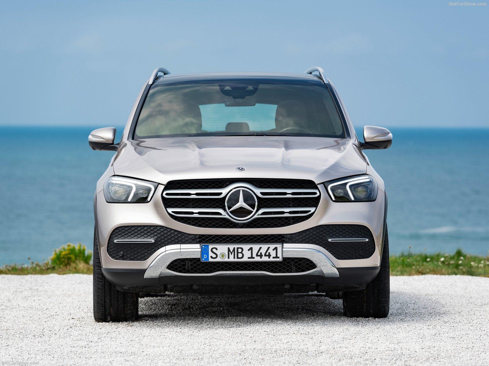 Mercedes-Benz GLE 2020 года - 7-местный кроссовер с битурбированным дизелем, максимальным уровнем безопасности и пневмоподвеской
