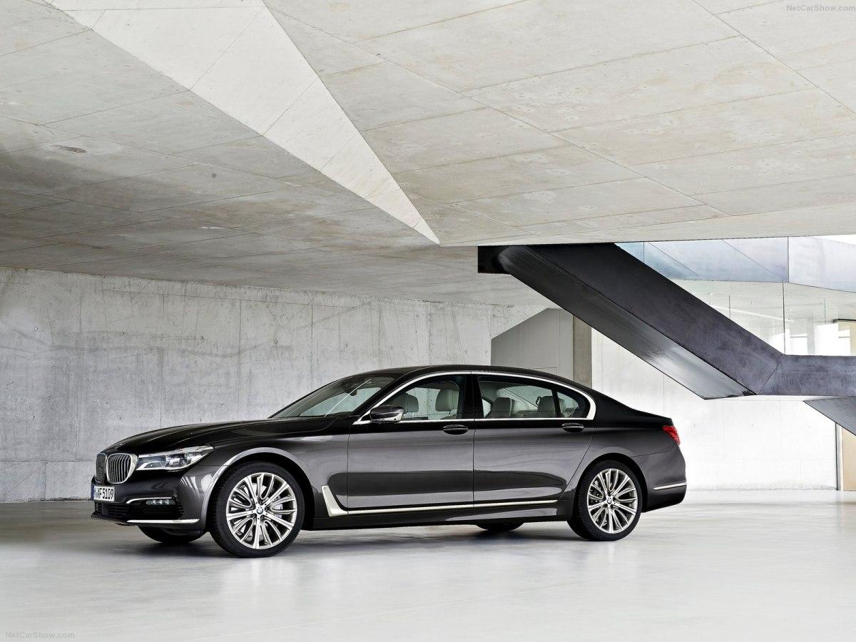 BMW 7-Series 2019 – премиальный автомобиль с богатым разнообразием комплектаций