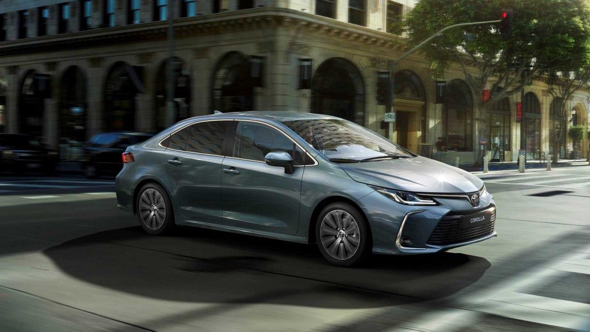 Toyota Corolla 2020 - кузов и салон от бизнес-седана, расширенный комплекс безопасности и улучшенная подвеска