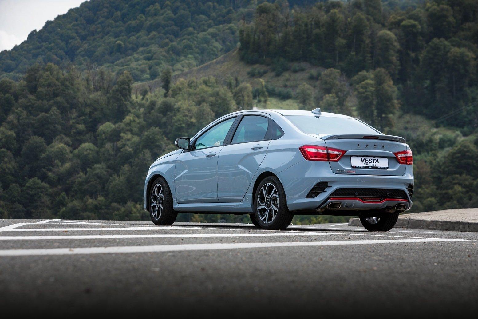 Что лучше: новая «Лада Веста» или подержанный кроссовер Hyundai? Сравнительный тест