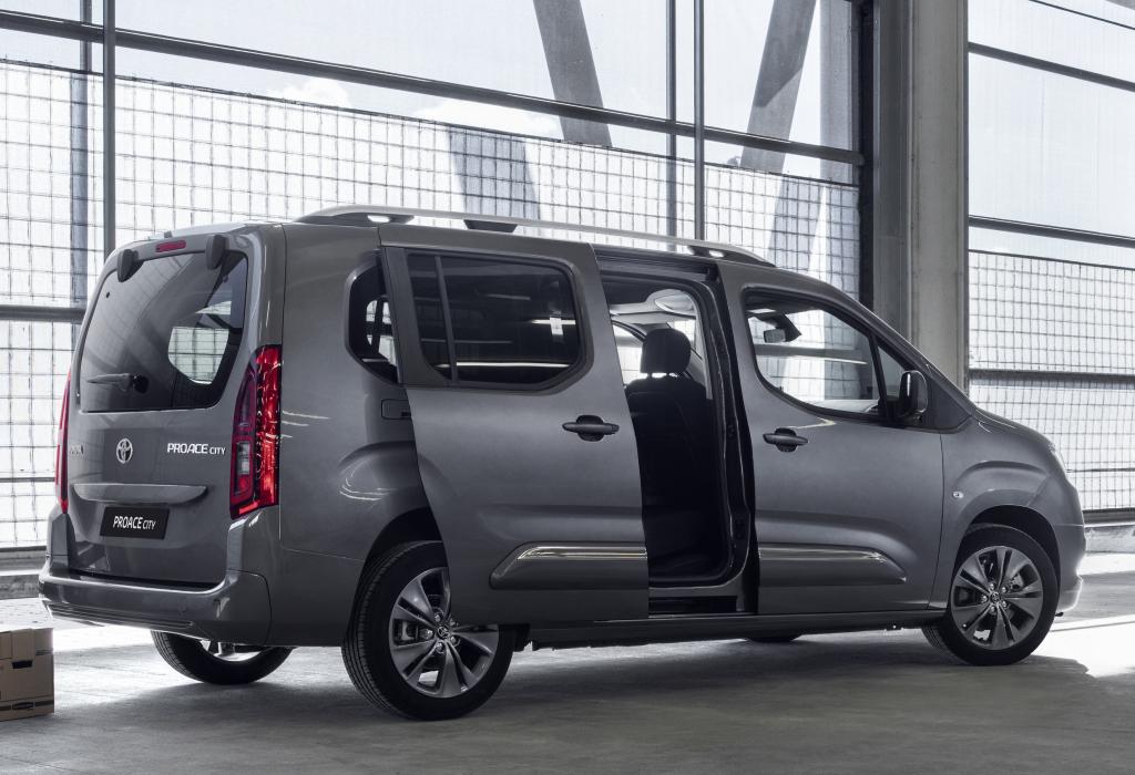 Обновленная версия Toyota ProAce City: просторный минивэн с достойной «начинкой»