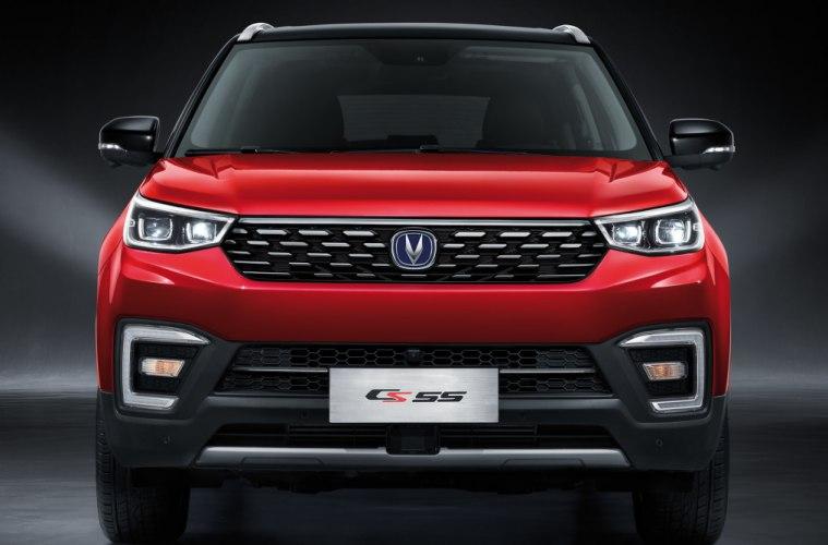 Бюджетный аналог Land Rover Discovery: АКПП, кожа, металл, климат, парктроники, круиз и панорама всего от 820 000 р. Новый Changan CS55