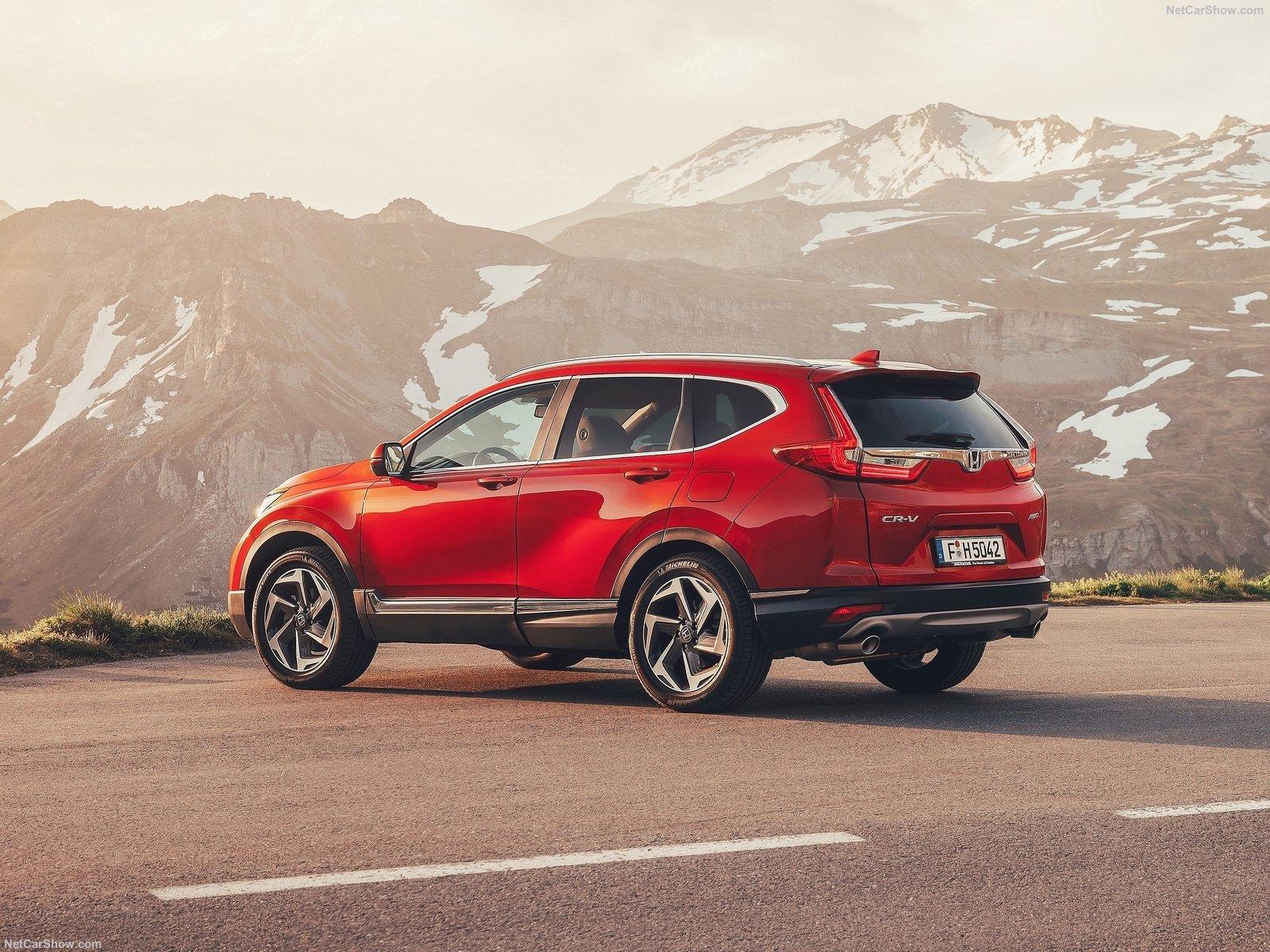 Акция от Honda: производитель снизил цены на CR-V и Pilot. Специальные условия действуют только до конца августа.