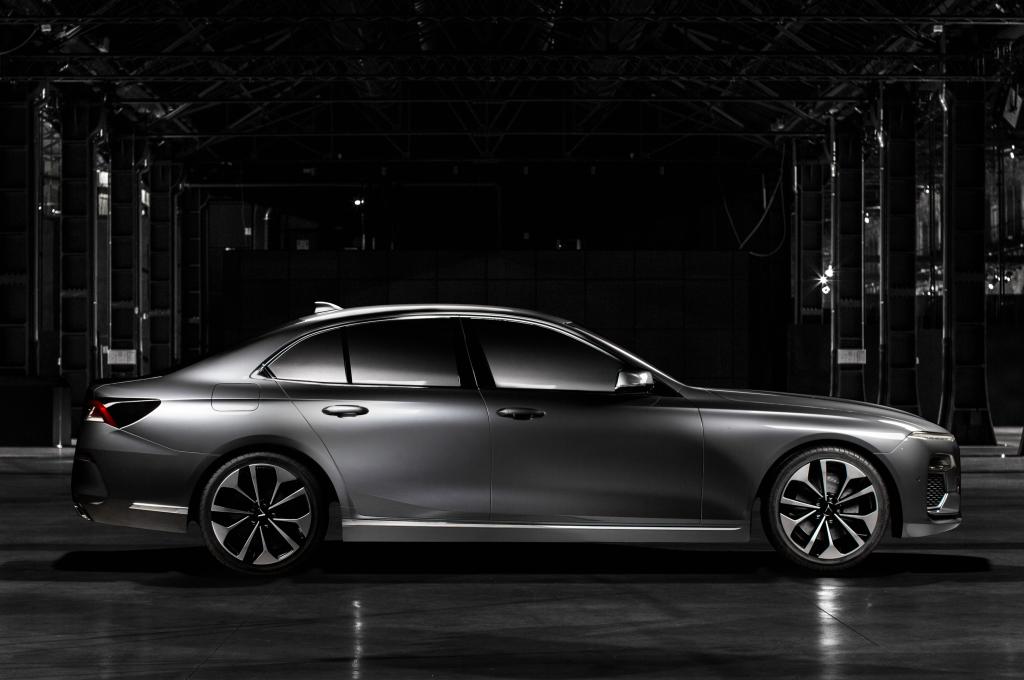 Lux A2.0 созданный на базе BMW 5-Series