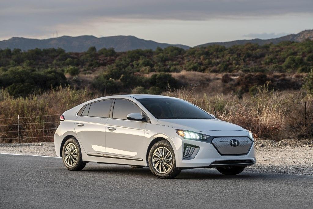 Совершенно новый кросс от Hyundai для России: его характеристики недоступны для моделей BMW и Mercedes-Benz