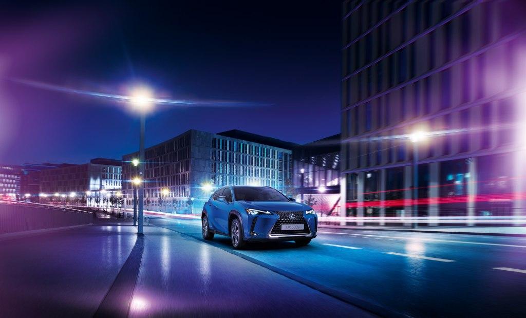 Новый Lexus UX 2021 года — один из самых доступных премиум-кроссов с уникальной конфигурацией