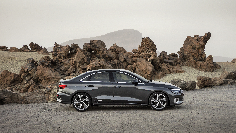 Компания Audi готовит к выходу обновленный седан A3 2020