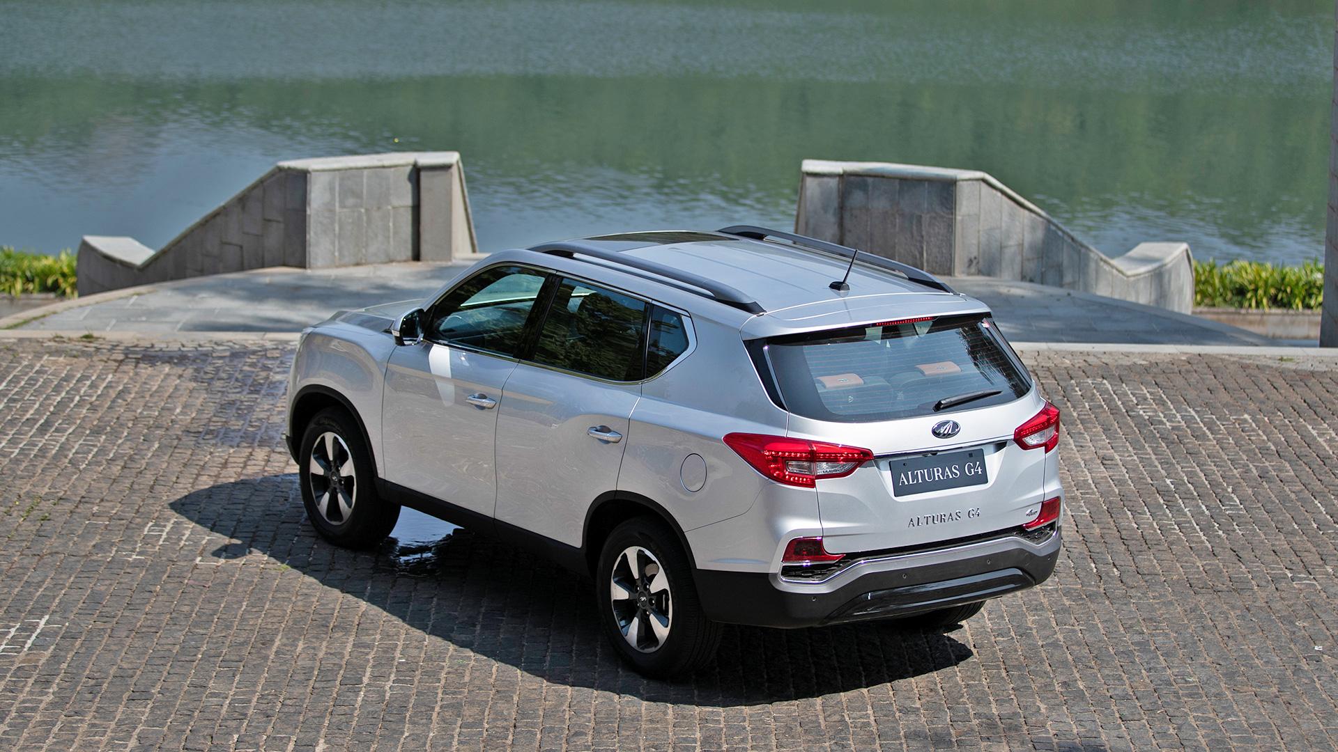 Даже самая дешевая версия рамного SsangYong Rexton оказалась хуже нового Toyota Fortuner