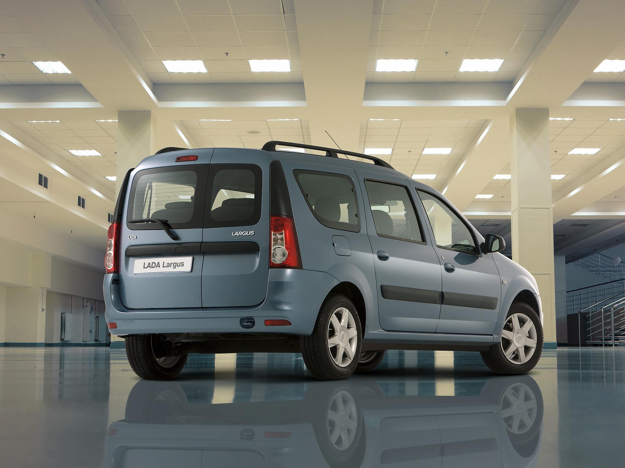 Новая Лада Ларгус 2021 года — самый дешевый семейный автомобиль России по цене от 654 тысяч рублей
