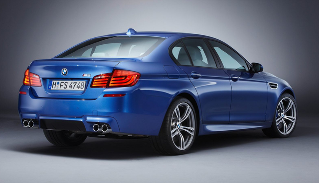 БМВ М5 (BMW M5) - Вид сзади