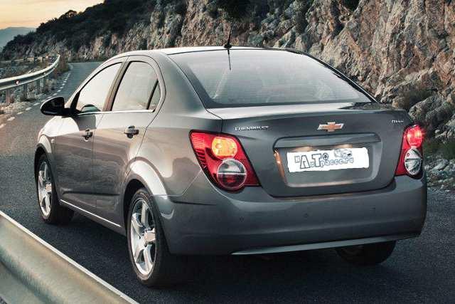 Фото Chevrolet Aveo 2012 (шевроле авео 2012) - вид сзади