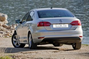 Фото Volkswagen Jetta. Вид сзади.