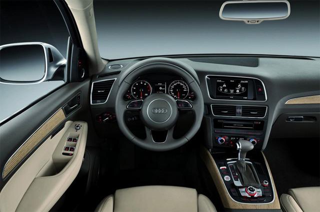 Фото салона Audi Q5 - Водительское сиденье