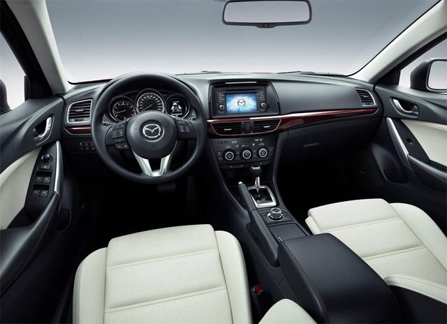 Передние сиденья Mazda 6 - фото обновленного авто