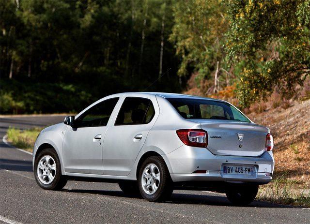 Фото Renault Logan 2013 - Вид сзади