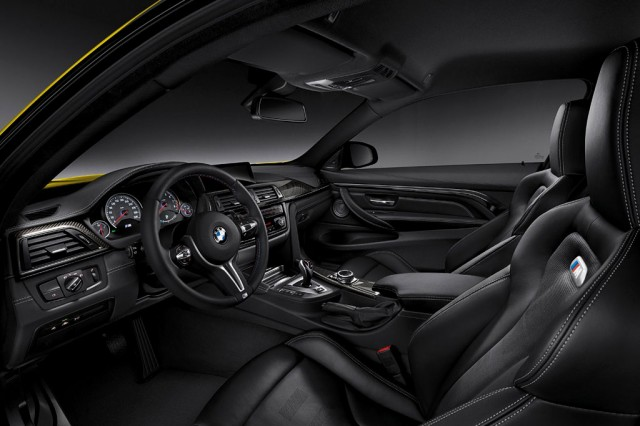 Фото салона BMW M4 Coupe