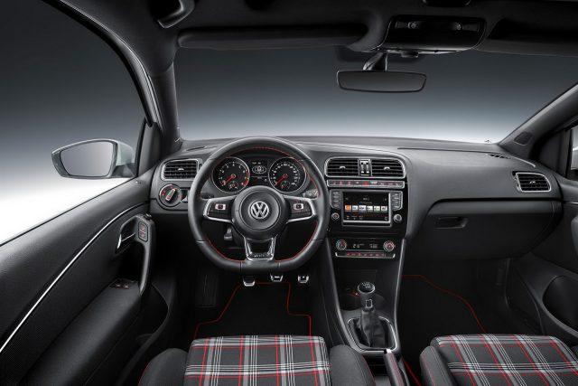 Фото салона Volkswagen Polo GTI