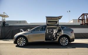 Фото Tesla Model X 2015