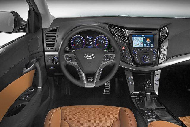 Фото салона Hyundai i40 2015-2016