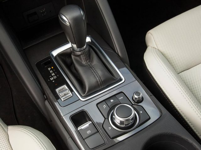 Фото салона Мазда СХ 5 2015-2016 (Mazda CX-5 2015-2016)