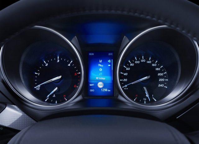 Спидометр Тойоты Авенсис 2015-2016 - фото
