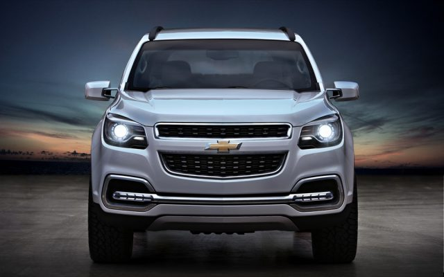 Фото обновленного Chevrolet Trailblazer 2015-2016