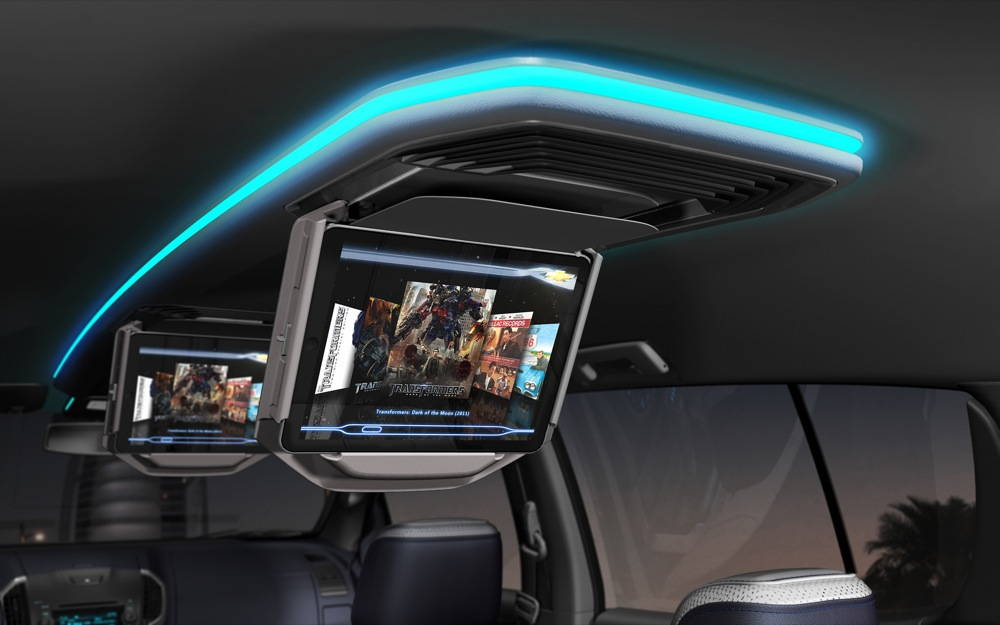 Фото салона Chevrolet Trailblazer 2015-2016 - встроенный монитор