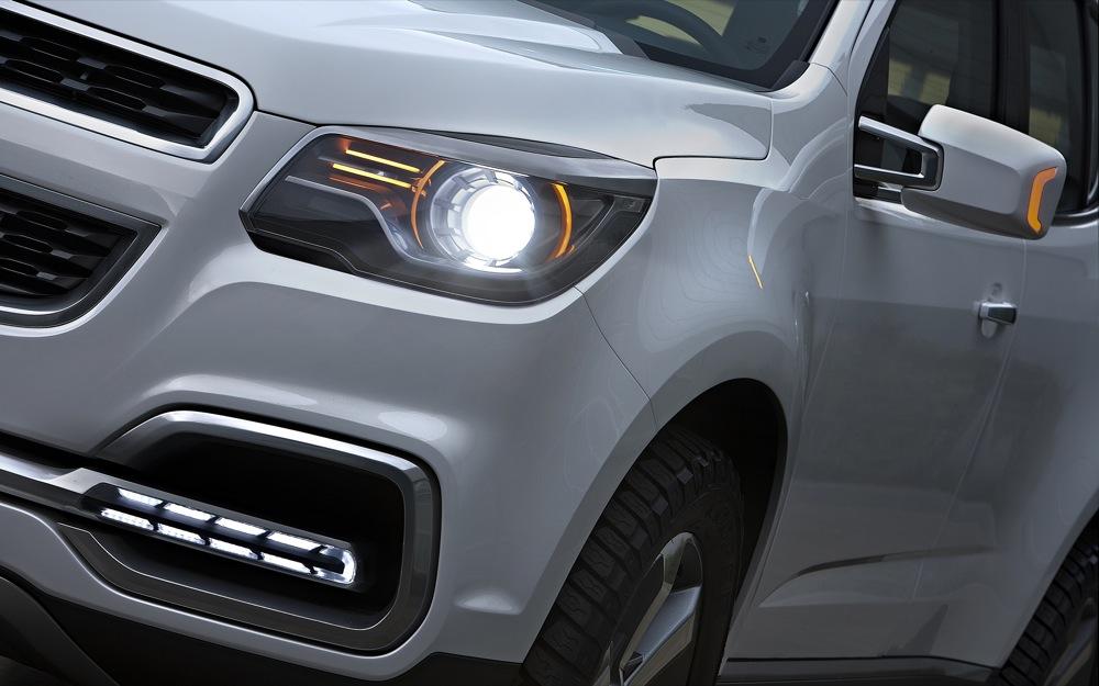 Фото Chevrolet Trailblazer 2015-2016 - передняя фара