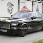 Rolls-Royce испытывает свой кроссовер на дорогах Европы