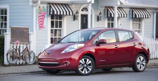 Электромобиль Leaf от Nissan тестируется в Питере
