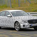 Новинка E-класса от Mercedes-Benz опять была сфотографирована шпионами во время испытаний