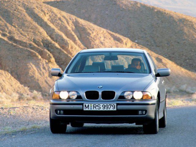 Фото БМВ E39 2003