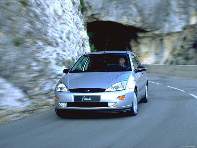 Фото Форд Фокус 1 поколения