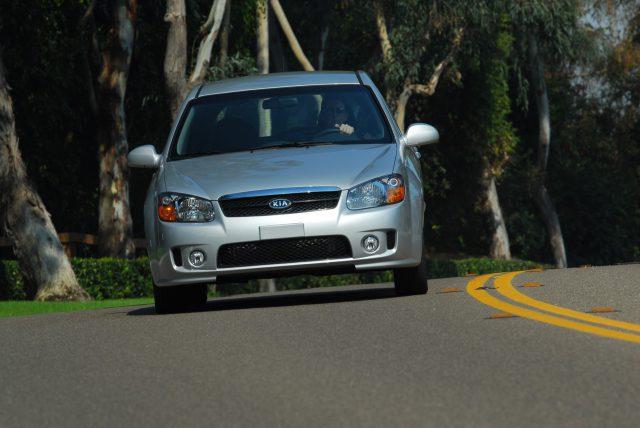 Фото Kia Spectra 2007 вид спереди