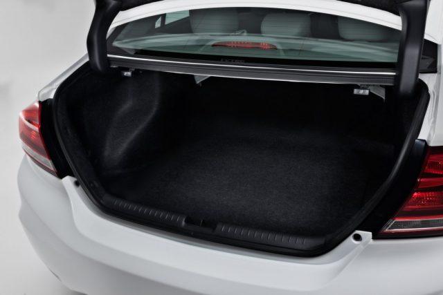 Автомобиль имеет внушительный багажник для своих размеров