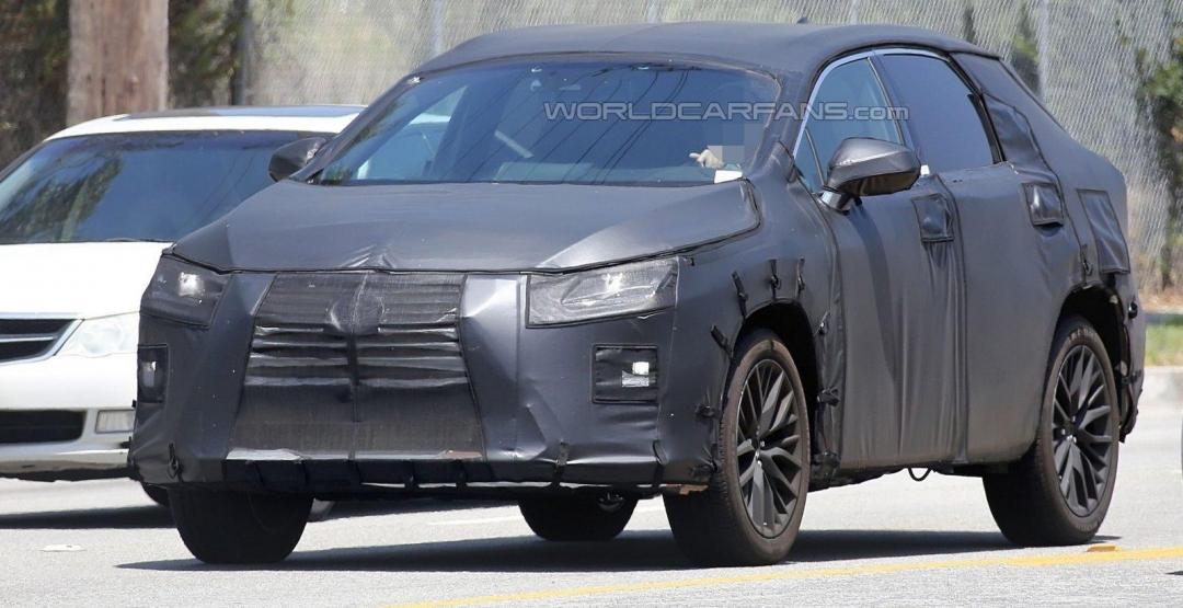 Шпионское фото Lexus RX