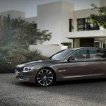 Компания BMW показала новую 7-серию с пакетом Sport