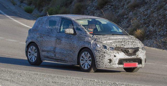 Автомобильные шпионы сфотографировали прообраз новой модели Renault Scenic