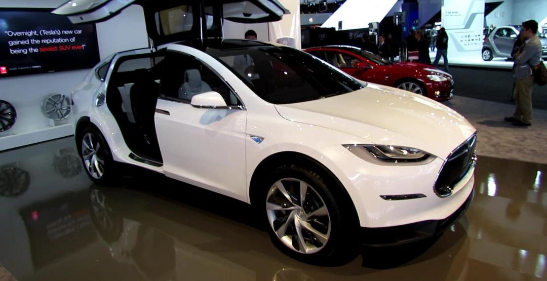 Через год модели Tesla смогут преодолевать 1000 км без подзарядки