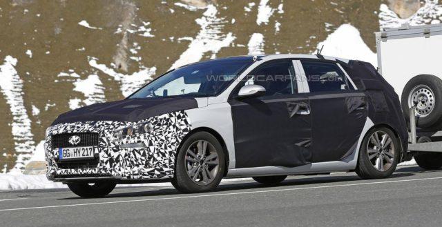 Рестайлинговая модель i30 2017 от Hyundai уже начала тестироваться в Альпах