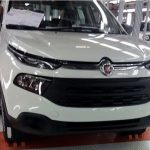 Fiat продемонстрировал первый снимок нового пикапа Toro