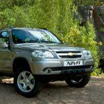Доработанный вседорожник Niva Chevrolet с экологичным мотором уже в автосалонах