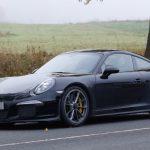 Компания Porsche начала проводить испытания особой версии 911R